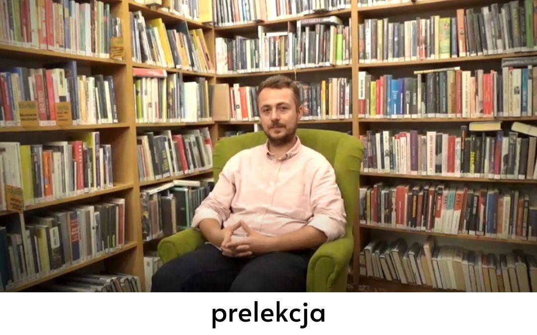 zdjęcie przedstawiające przewodnika warszawskiego Marcina Strachotę