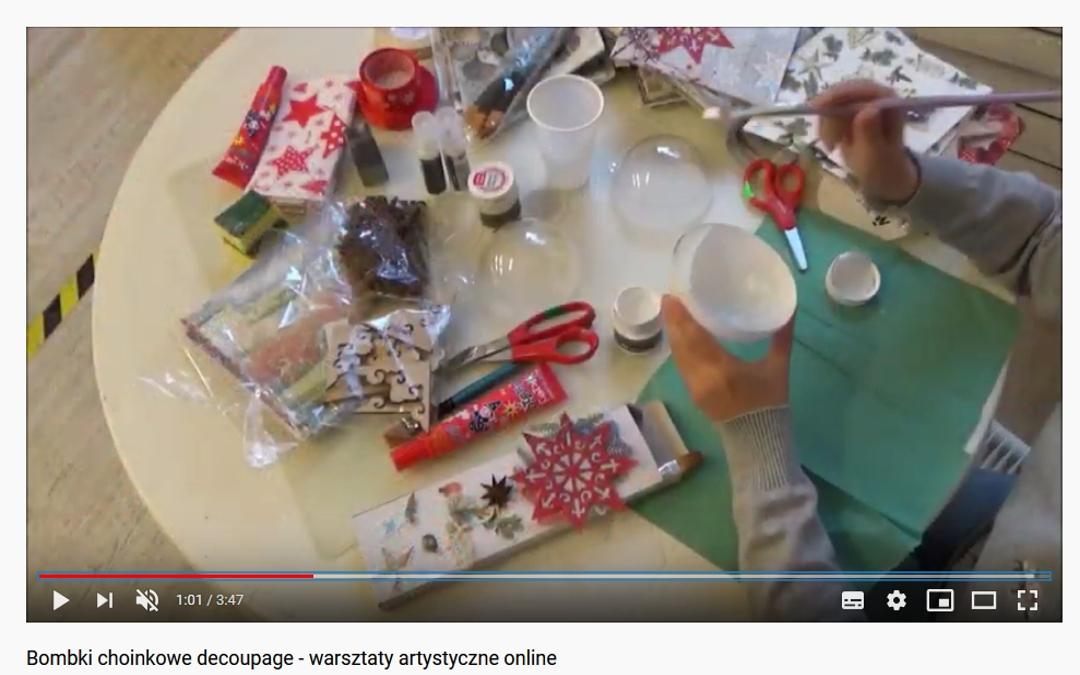 Kadr z filmu instruktażowego bombki metodą decoupage